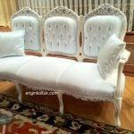 beyaz sandalye şeklinde klasik koltuk 99