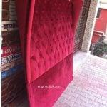 kırmızı yatak başı