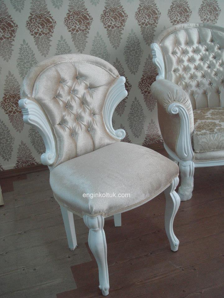 beyaz klasik sandalye